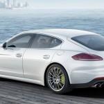 Porsche Panamera S-White