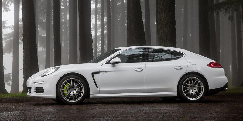 Porsche-Panamera-S-White